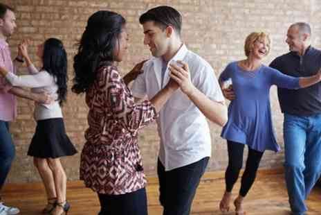 City Salsa - Four or Eight Bachata Classes for Beginners - Save 50%