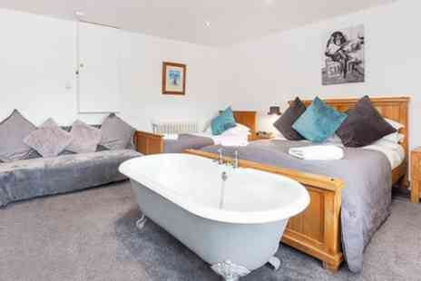 York Boutique Lets - Converted Stable Room for Three or Four with Prosecco - Save 0%