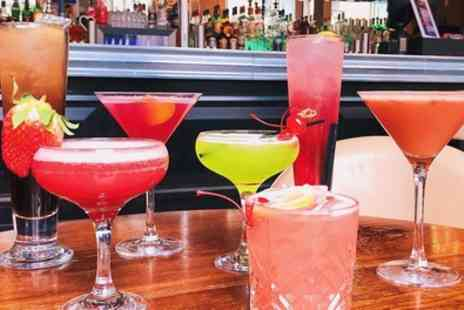 One Up Glasgow - Choice of Four Cocktails with Nibbles - Save 61%