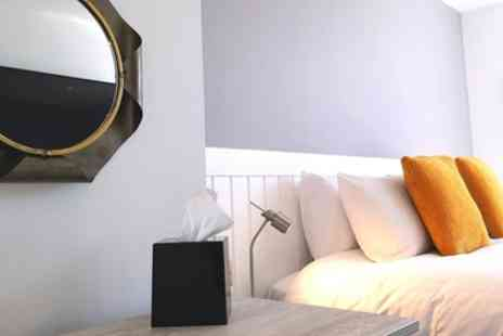 Mode Hotel - Standard Snug or Deluxe Cosy Double Room with Breakfast and Option on Dining Credit for Two - Save 54%
