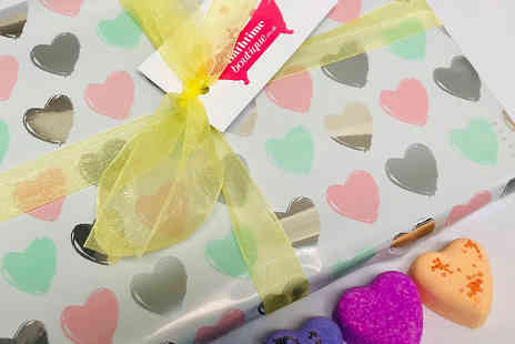 Bathtime Boutique - Sweetheart bath bomb gift box - Save 44%