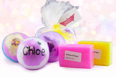 Bathtime Boutique - Personalised bath bomb set choose your colour - Save 50%