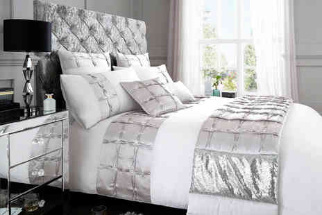 Victoria Home Living - Gaveno Cavailia signature luxury bedding set choose from 18 designs and three sizes - Save 0%