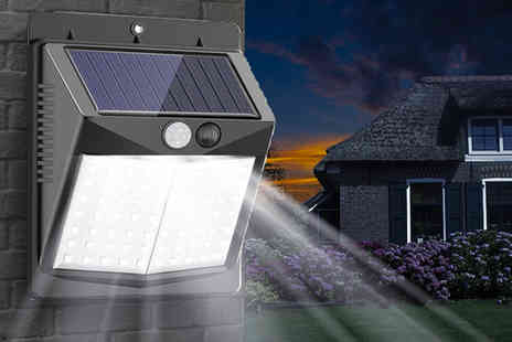 Magic Trend - Solar powered outdoor light - Save 67%