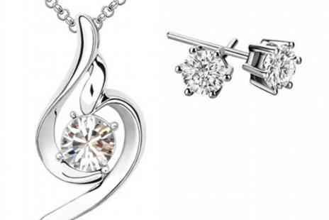 Your Ideal Gift - Clear swirl pendant and earrings set - Save 92%