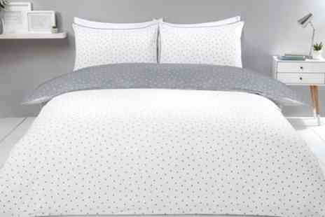 Groupon Goods Global GmbH - Pieridae Mini Dots Reversible Duvet Set - Save 0%