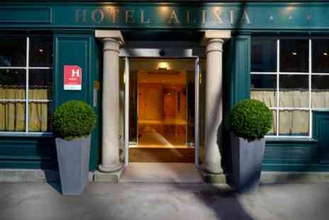 Hotel Alixia - Standard Double Room for Two with Breakfast and Optional Minibar - Save 39%