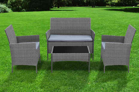Direct Sourcing Project - Four piece rattan garden furniture set - Save 57%