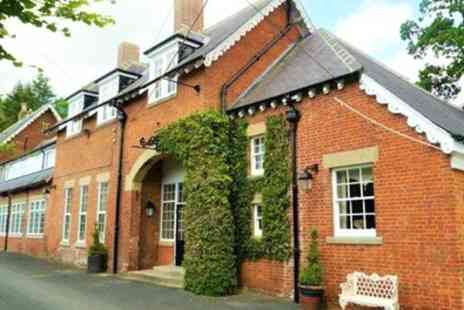 The Coach House Hotel - 1 or 2 Nights for 2 with Breakfast, Dinner and Prosecco - Save 38%