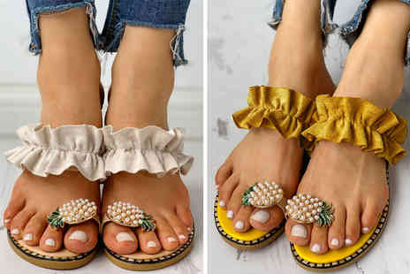 hey4beauty - Pair of pineapple sandals choose from two colours and four sizes - Save 0%