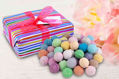 Bathtime Boutique - Assorted bathbomb gift box receive 50 bath bombs - Save 55%