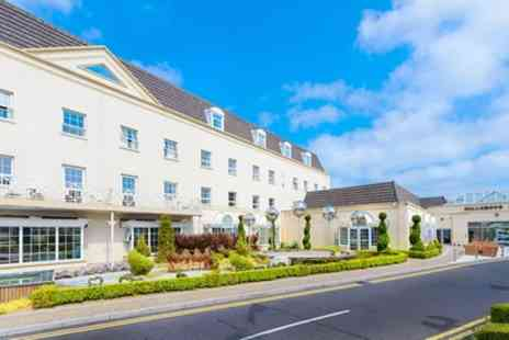 Hillgrove Hotel - 1 To 3 Nights For Two with Breakfast, Dining and Spa Vouchers - Save 24%