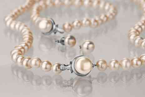 CJ Offers - Pili Pala freshwater pearl jewellery set - Save 80%