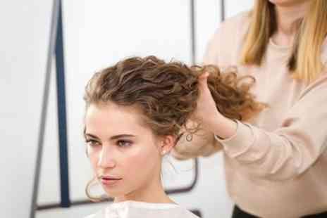 Farah Hair And Beauty Salon - Wash, Cut and Blow Dry with Optional Highlights - Save 60%