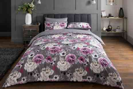 Groupon Goods Global GmbH - Pieridae Floral Duvet Set - Save 0%
