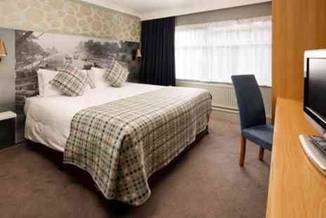 Mercure London Watford Hotel - Classic Double Room for Two with Breakfast and Bottle of Wine - Save 0%