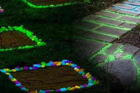 YelloGoods - 50 glow in the dark garden pebbles - Save 80%