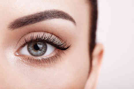 Queen Of The South HBA - Brow and lash pamper package - Save 63%