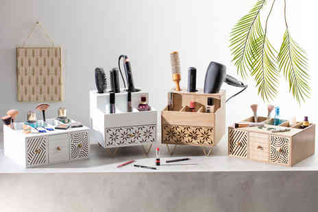 CJ Offers - Wooden cosmetics organiser - Save 69%
