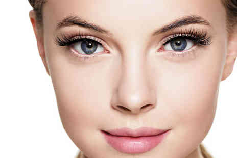 Beauty Worx Aesthetics - Full set of Russian lash extensions - Save 44%