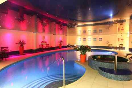 The Heronston Hotel and Spa - Standard Room for 2 with Breakfast, Dinner and Spa Treatment - Save 47%