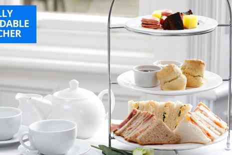 Burn Hall Hotel - Afternoon tea and birds of prey experience for 2 - Save 71%