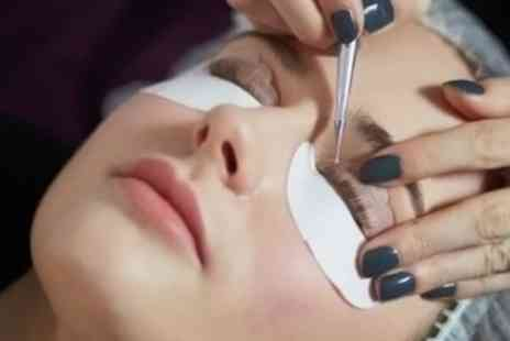 Bliss Beauty Spa - LVL Lashes and Tint with Eyebrow Definition Package - Save 0%