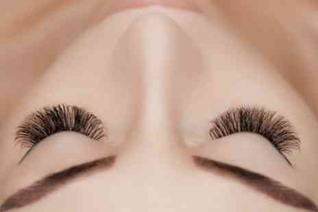 D'Academy of Beauty - Accredited Semi Permanent Eyelash Extension Course - Save 76%
