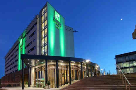 Holiday Inn Reading - A Reading Stay with breakfast, dinner, Prosecco, spa access - Save 36%