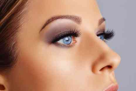 The Lash Corner - Full Set of Classic, Hybrid or Russian Eyelash Extensions - Save 29%