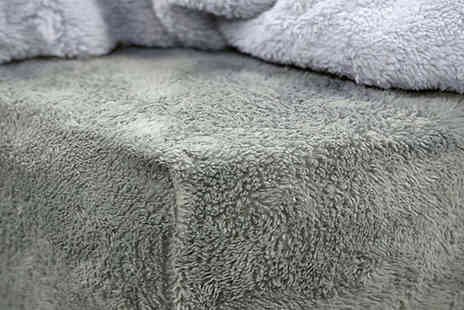 Home Vibe - Teddy Fleece Thermal Fitted Bed Sheet - Save 75%