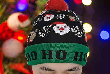 Bag a Bargain - LED Christmas Beanie - Save 73%