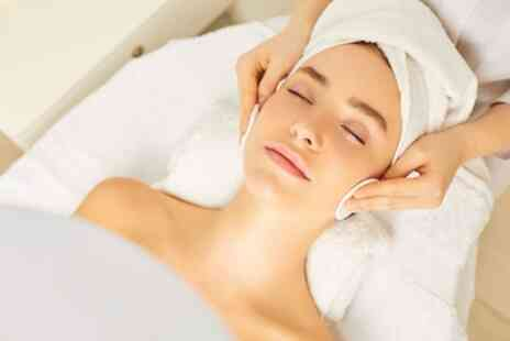 The Glow Clinic - 90 Minute Ultimate Glow Full Package Facial - Save 50%