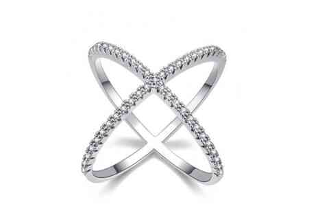 Your Ideal Gift - Cross lab created sapphire ring - Save 86%