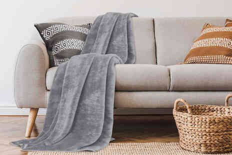 Victoria Home Living - Large faux fur throw - Save 80%