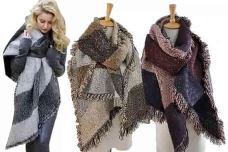 Hunndo-P - Oversized fashion scarf - Save 67%
