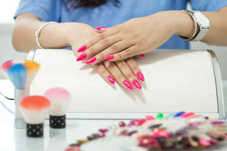 Janets Quality Education For All - Online nail technician diploma - Save 0%