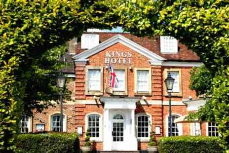 Kings Hotel - Double Room for 2 with Breakfast and Optional Dinner Credit - Save 10%