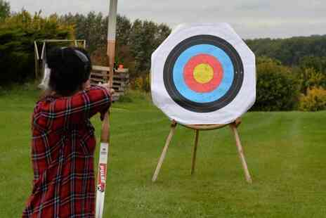 Thurlaston Airgun and Archery Centre - One hour archery experience for two people - Save 62%