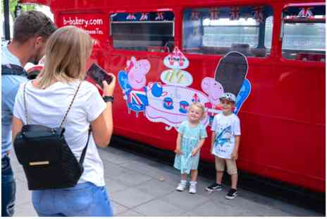 Virgin Experience Days - Peppa Pig Afternoon Tea Bus Tour for Two Adults and Two Children - Save 0%