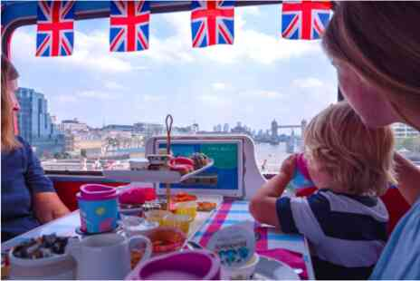 Virgin Experience Days - Peppa Pig Afternoon Tea Bus Tour for One Adult and One Child - Save 0%