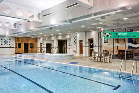 DoubleTree by Hilton Hotel Strathclyde - Spa day for one person including a 25 minute massage, 25 minute facial - Save 47%