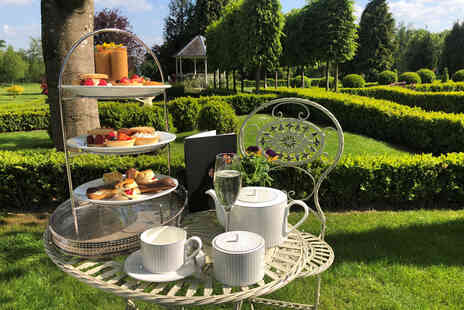 Lemore Manor - An Overnight Eardisley, Herefordshire stay for two people with breakfast - Save 37%