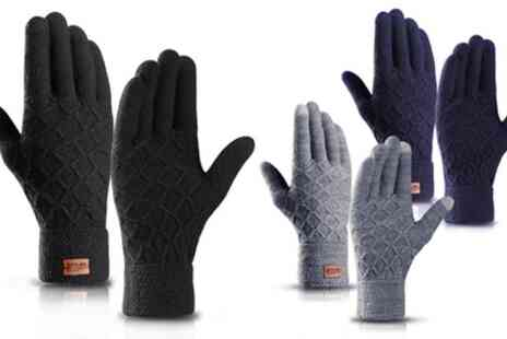 Groupon Goods Global GmbH - Pairs of Unisex Diamond Thermal Touchscreen Gloves - Save 82%