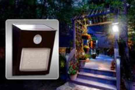 Adask Trading - Home security solar light with motion detector - Save 10%