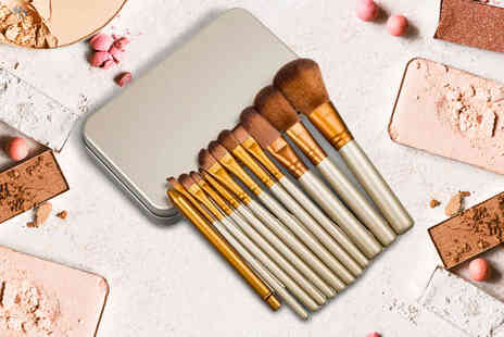 Forever Cosmetics - 12pc makeup brush set and metal case - Save 0%