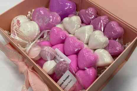 Bathtime Boutique - 70% Off Pink and White Love Heart Bath Bomb Gift Box - Save 0%