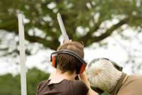 Hereford & Worcester Shooting - Private clay pigeon shooting lesson and enjoy a lesson with cartridges, clays, equipment and tuition all included - Save 60%
