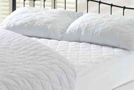 Love 2 Sleep - Quilted mattress protector with a fitted polycotton skirt - Save 46%