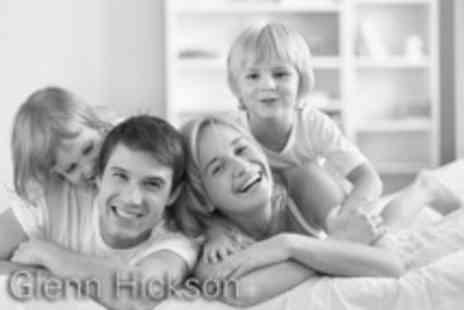 Glenn Hickson Photography - Home black & white portrait photoshoot for up to 8 ppl  two 5 x 7 prints - Save 81%